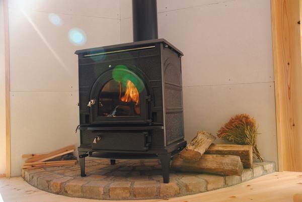薪ストーブを採用して暖かく暮らす家の提案。