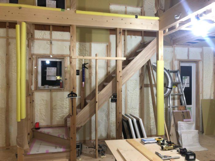 木造階段の施工の様子写真