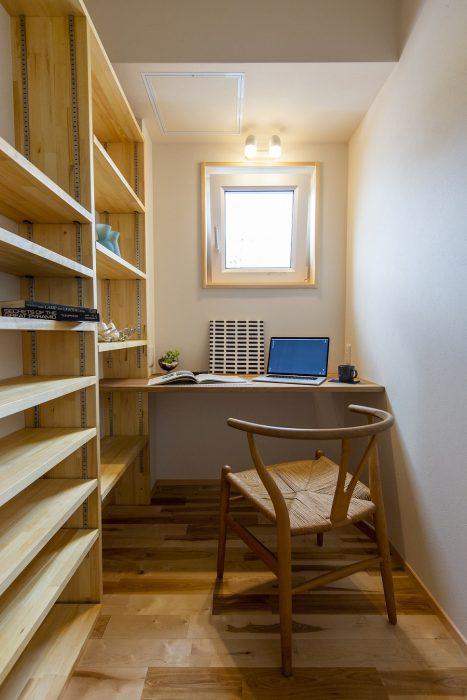 男の憧れ、書斎空間の住宅写真