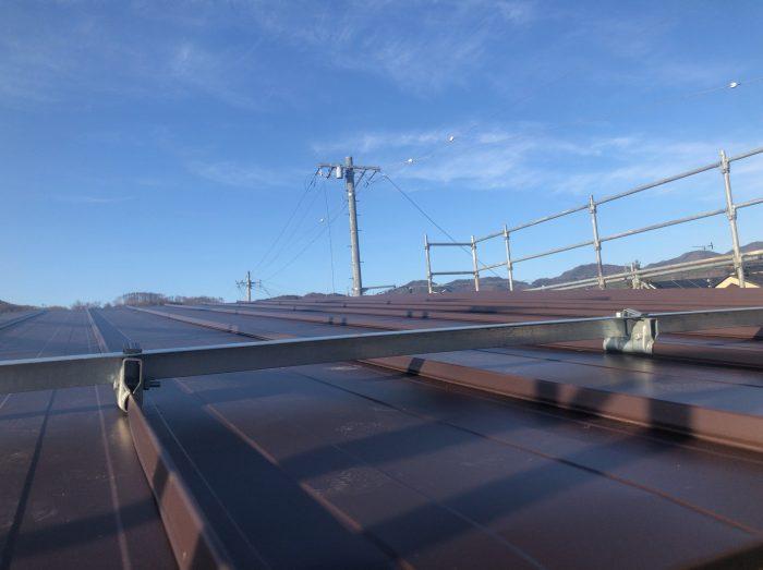 屋根が施工された様子の写真
