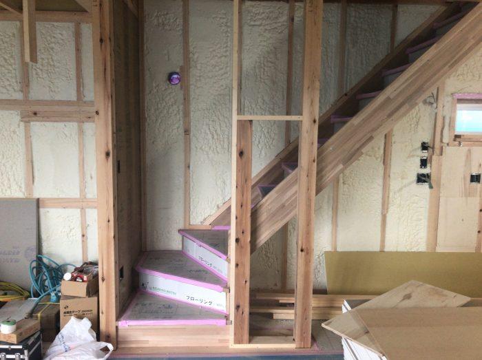 階段が施工された様子の写真