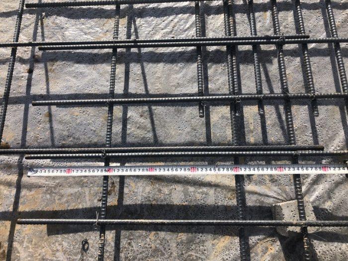 定着長さを確保する鉄筋の写真